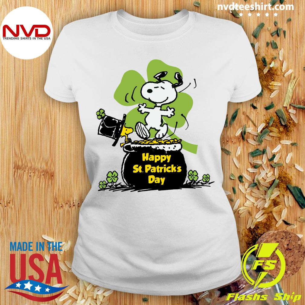 Official Happy St Patrick's Day Snoopy And Woodstock Funny T-s Ladies tee