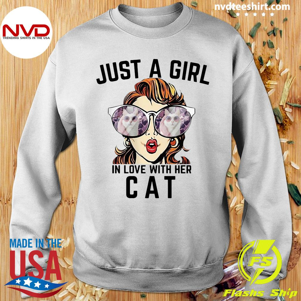 Official Just A Girl In Love With Her Cat T-s Sweater