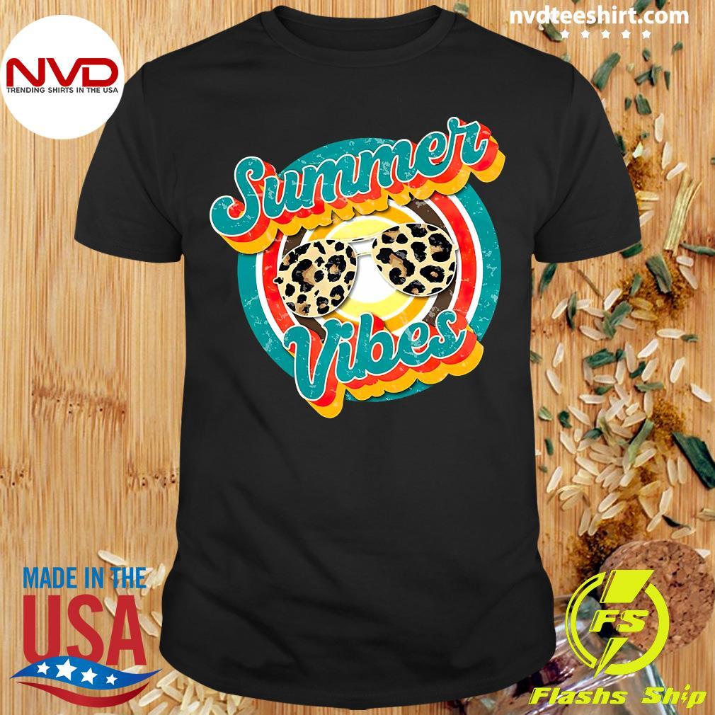 Official Nurse Summer Vibes T-shirt