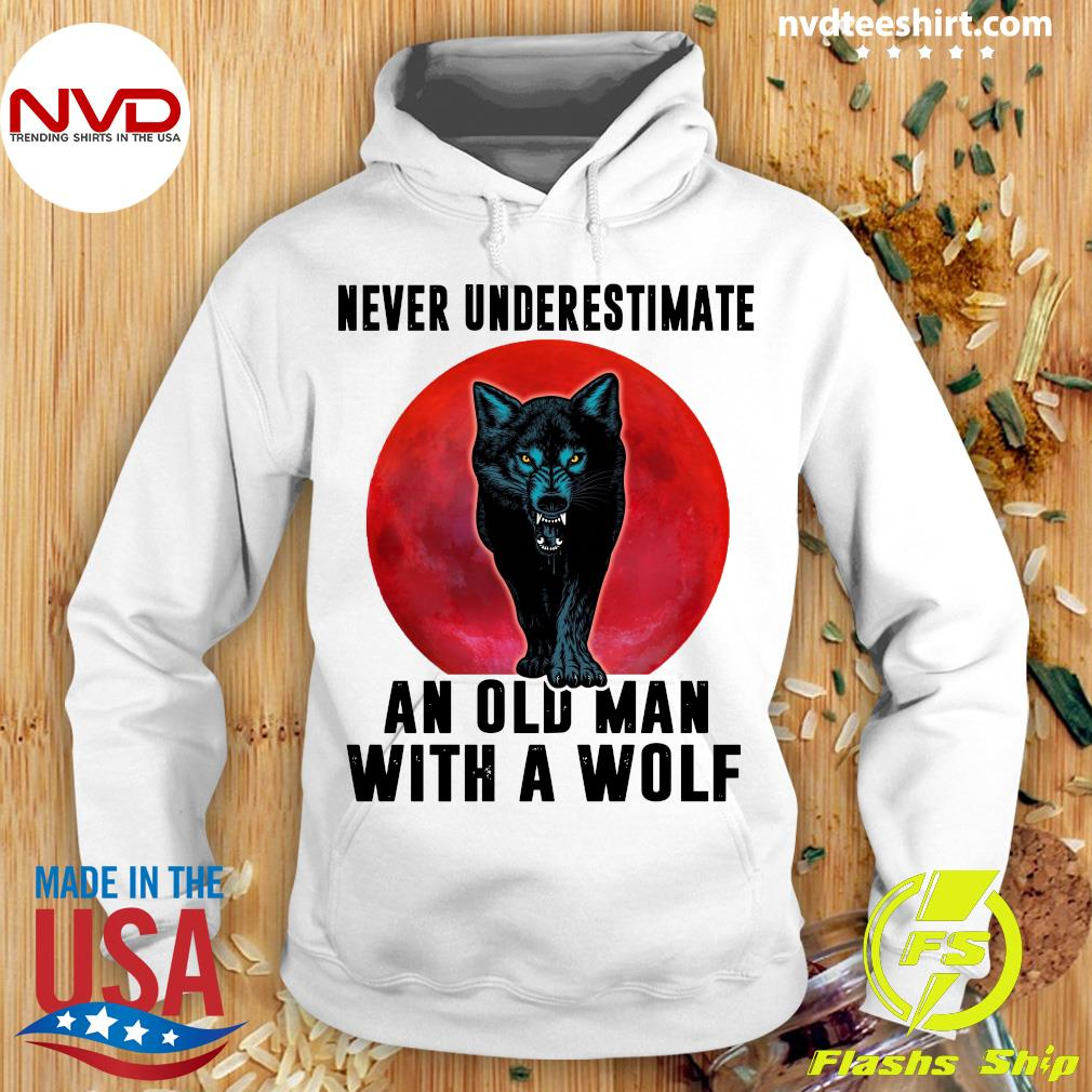 Never Underestimate An Old Man With A Wolf Vintage Shirt Hoodie