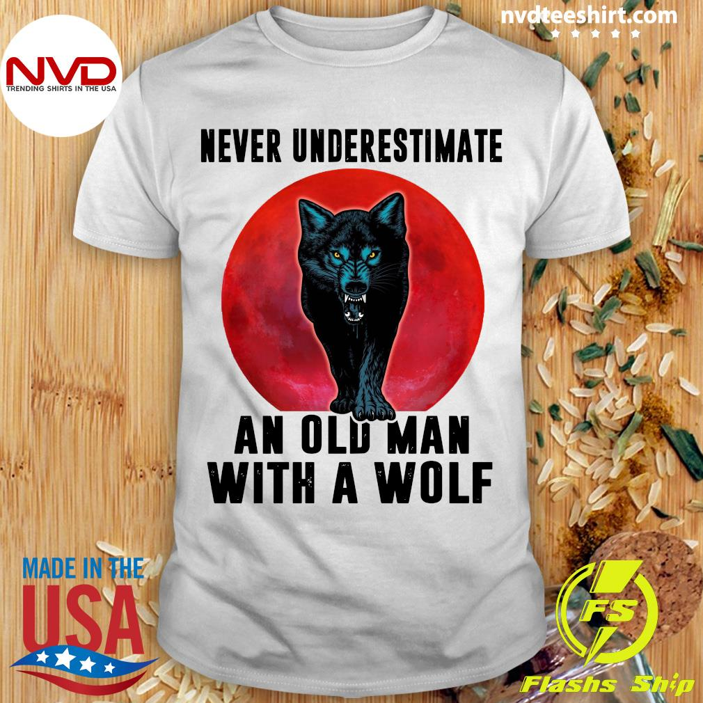 Never Underestimate An Old Man With A Wolf Vintage Shirt
