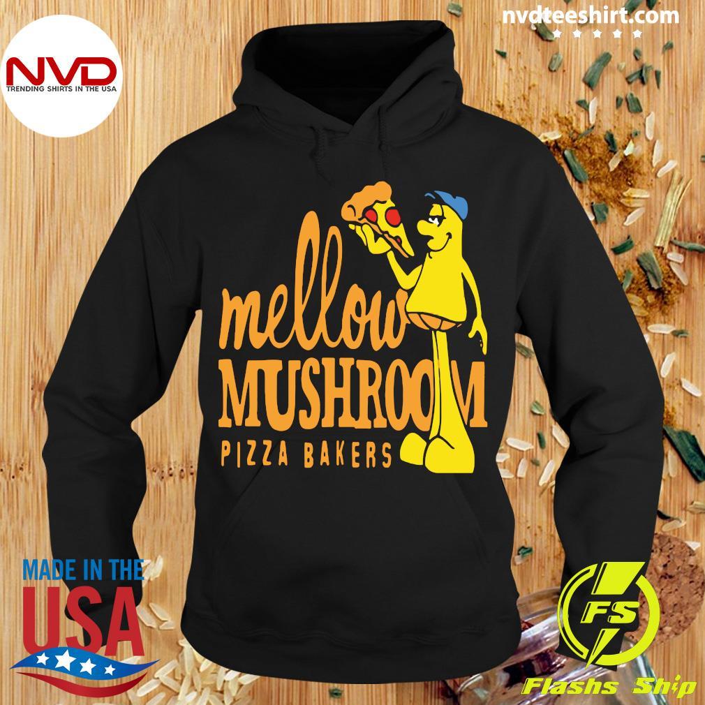 Official Mellow Climbing Merchandise Mushroom Pizza Bakers T-s Hoodie